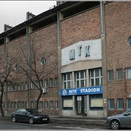 Stadionképek forrása ( www.magyarfutball.hu )