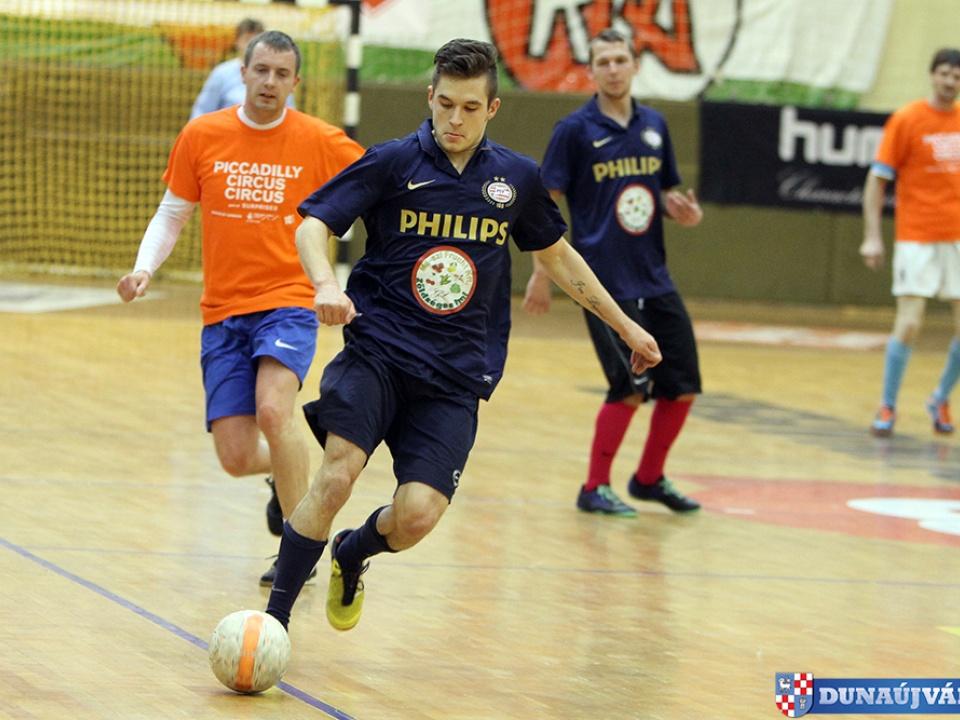 Futsal bajnok a Mészi Frucht Kft.