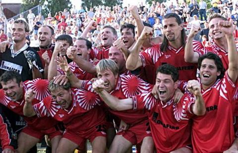 Dunaferr Bajnokcsapata 2000.